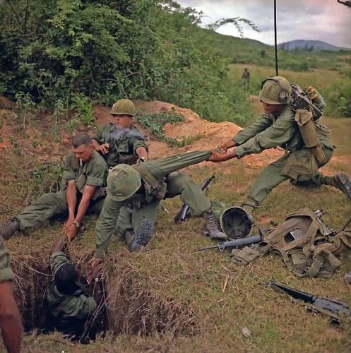 سحب جنود أمريكان من نفق