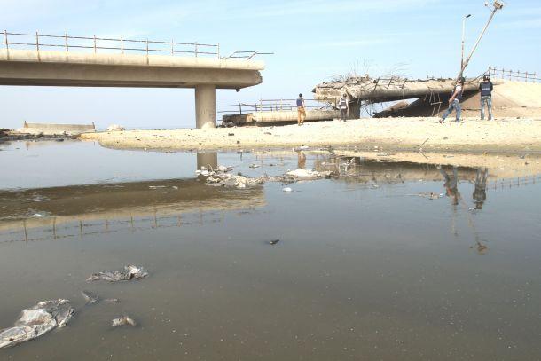 جسر وادي غزة بعد تدميره في حرب 2012