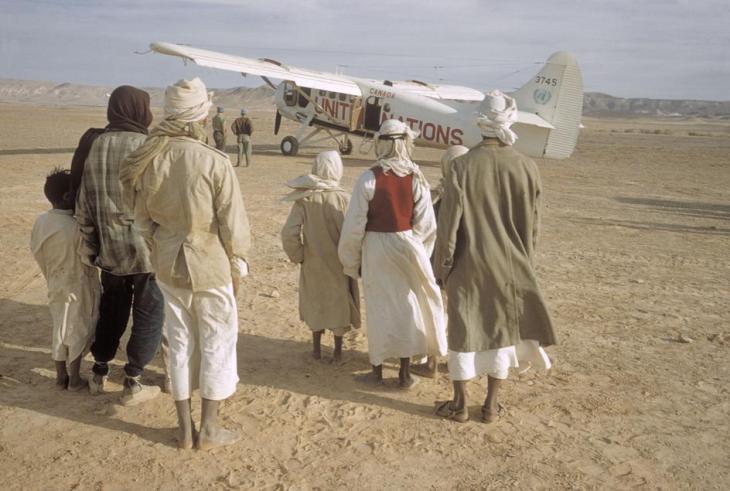 طائرة للانروا على حدود غزة - مصر