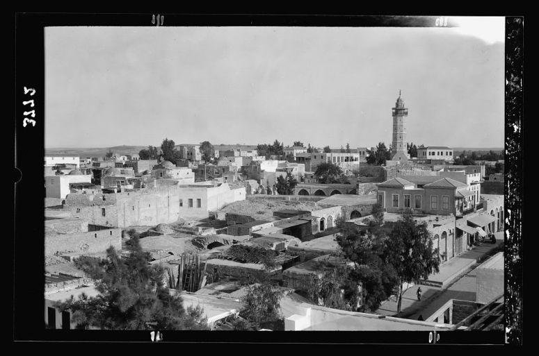مركز غزة قرب مسجدها