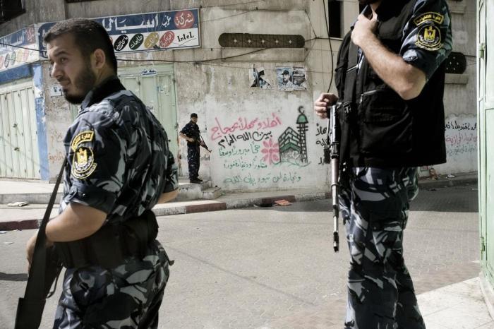 قوات التنفيذيّة التابعة لحماس تحاصر حي الصبر لسحب سلاح العائلات 2007