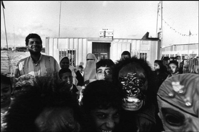 فلسطينيون يحتفلون بعيد الفطر