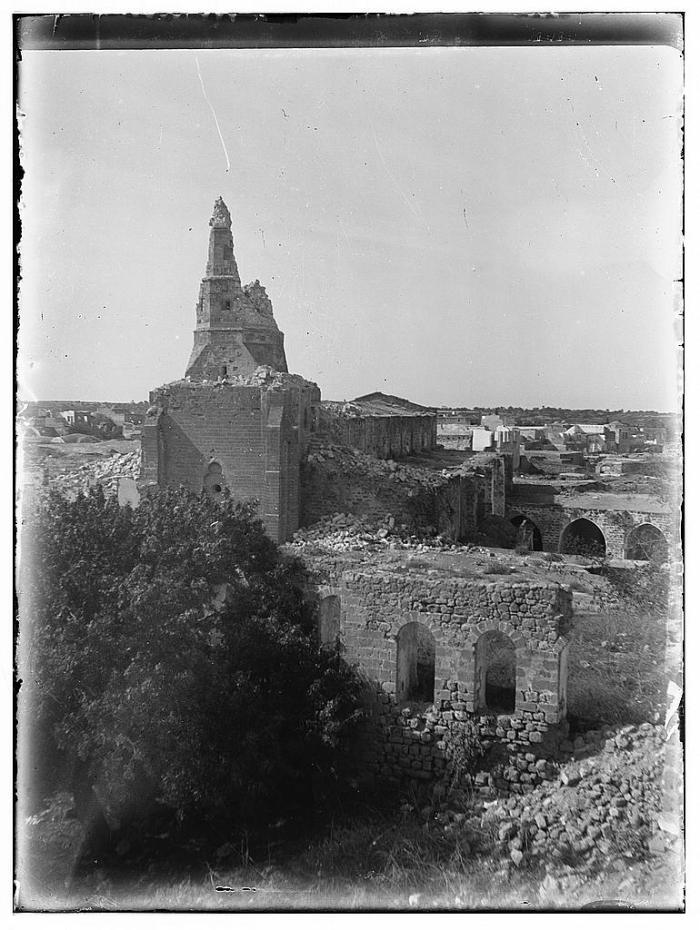 صورة للمسجد العمري الكبير من جهة الشرق