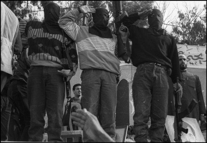 مهرجان لحماس بعد استشهاد عيّاش 1996
