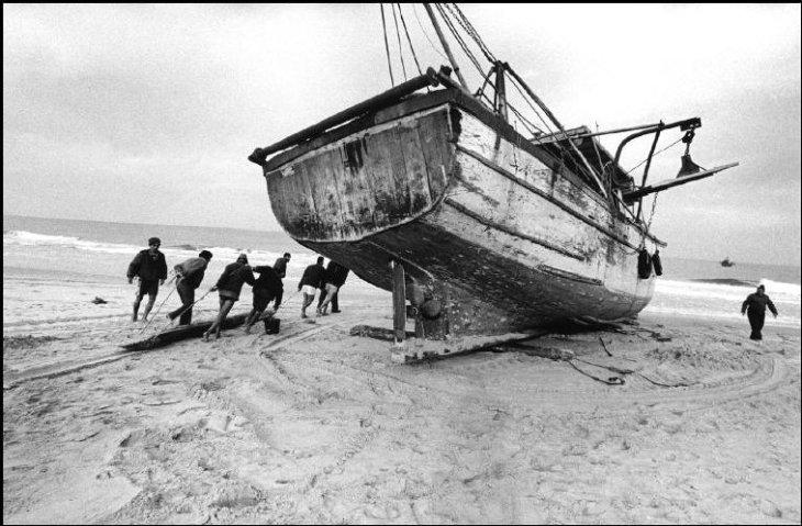 الصيّادون على شاطئ غزّة 1994