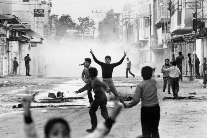 مشهد من الانتفاضة الأولى